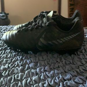 Nike Kid's Soccer Cleats Size 13 Tiempo Style